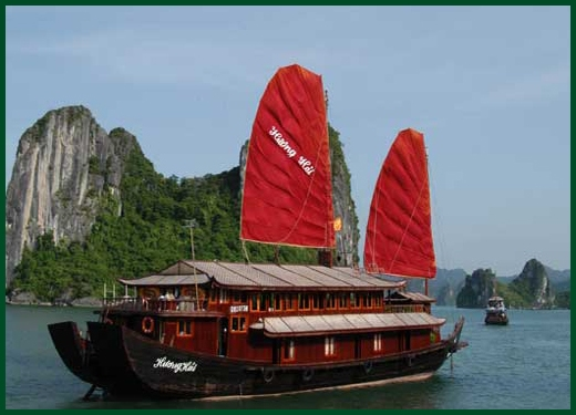 Halong Bay tour - Huong Hai junk cruise