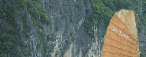Halong Bay tour - JEWEL OF THE BAY junk cruise 2 days 1 night