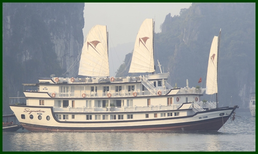 Halong Bay tour - Signature junk cruise