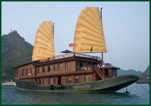 Halong Bay tour - Valentine junk cruise 2 days 1 night